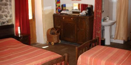 Maison de l'Etoile La chambre ô Pierres (4 P°)