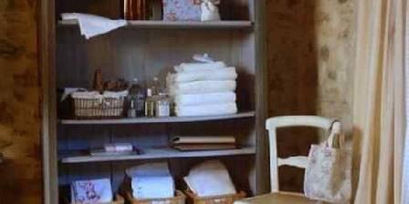 Maison des Cerises L'armoire