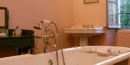 Maison du Village La salle de bain de la suite Rose