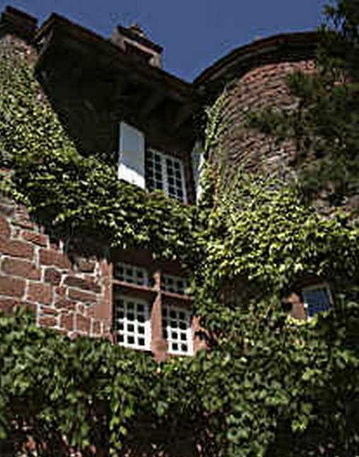 Bed & breakfasts Corrèze, from 100 €/Nuit. House/Villa, Collonges la Rouge (19500 Corrèze), Charm, Guest Table, Garden, Net, WiFi, T.V., Parking, 5 Double Bedroom(s), Chimeney, 4 épis, Blue Card, Country View, Town/Villag...