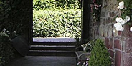 Maison d' Hôtes de Jeanne Entrée par le porche