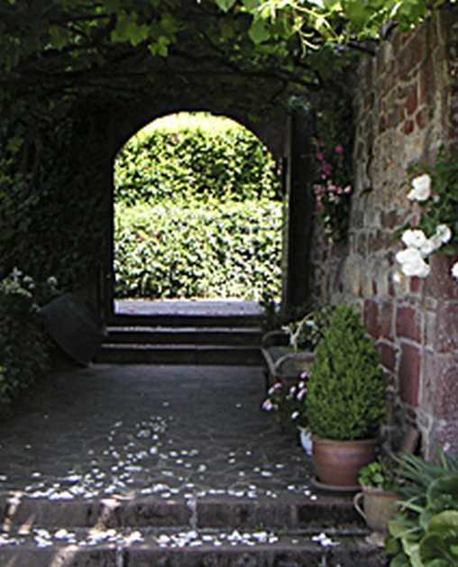 Chambre d'hote Corrèze - Entrée par le porche