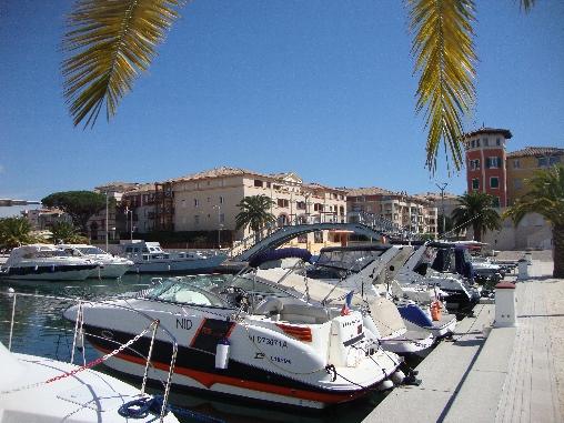Port de Fréjus à 5 mn pieds
