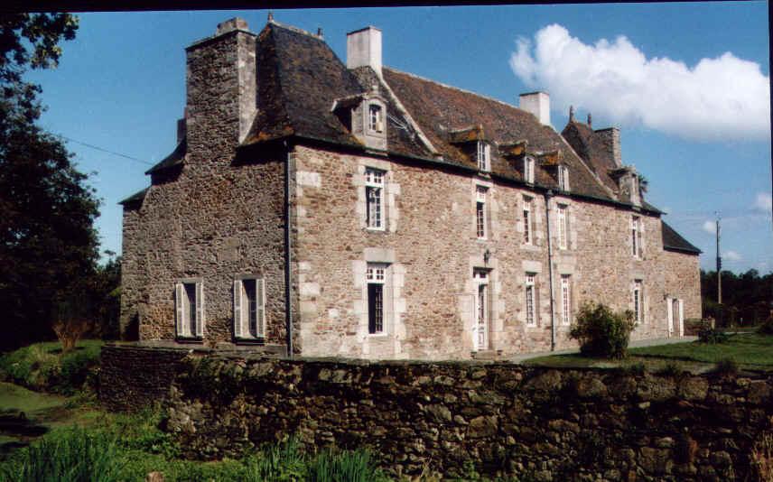 Chambres d'hotes Côtes-d\'Armor, à partir de 67 €/Nuit. Château, Créhen (22130 Côtes-d`Armor), Charme, Jardin, Parking, 1 chambre(s) simple(s), 1 chambre(s) double(s), 1 suite(s), 1 chambre(s) enfants, 7 personnes maximum, Chemi...