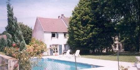 Chambre d'hotes Marvaliere > La piscine et le jardin