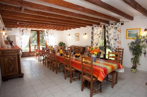 Chambre d'hote Pyrénées-Orientales - table interieure