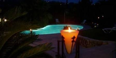 Au Mas d'Azur Le jardin de nuit