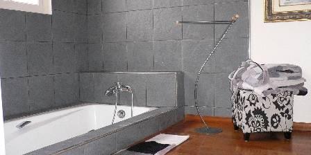 Mas Saint Pierre La Salle de bain de la Suite paresseuse