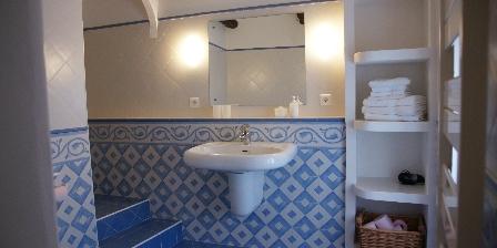 Chambre d'hotes Mas Vacquières > Salle a bain chambre Felicia