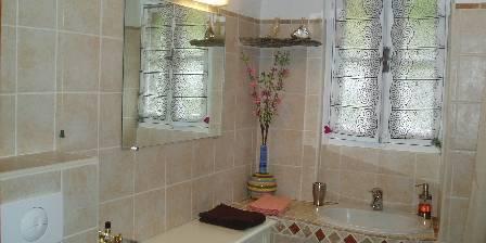 Medori Une des 3 salles d'eau