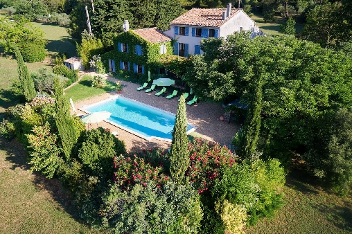 Bed & breakfasts Var, from 70 €/Nuit. House of character, Brignoles (83170 Var), Charm, Guest Table, Swimming Pool, Garden, Park, Disabled access, Net, WiFi, Baby Kits, Parking, 2 Single Bed(s), 5 Double Bedroom(s), 1...