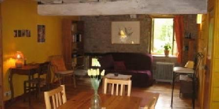 Le Moulin de la Louve A peaceful breakfast...