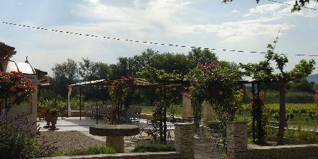 Moulin de Lavon Un cadre fleuri
