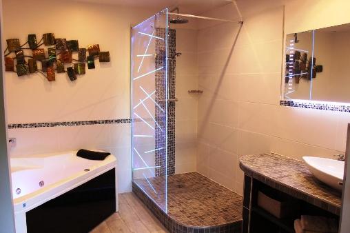 Chambre d'hote Ardèche - Baignoire Balnéo suite Jasmin
