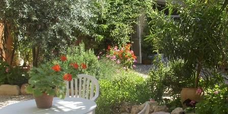 Château de Murviel Garden ambiance