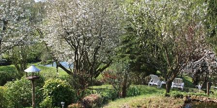 La Maréchalerie Le jardin au printemps