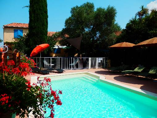 Bed & breakfasts Hérault, from 55 €/Nuit. House/Villa, Florensac (34510 Hérault), Charm, Luxury, Guest Table, Swimming Pool, Garden, Park, Net, WiFi, T.V., Baby Kits, Parking, Air-Conditioning, 1 Single Bed(s), 2 Double B...