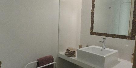 Sainte Marie des Ollieux Salle de bains Clos du Madon