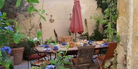 Maison Pélissier Summer courtyard