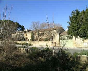 Chambres d'hotes Gard, Vers Pont du Gard (30210 Gard). A proximité : Uzes 10 km, Avignon 30 km, Nimes 30 km, Uzes 10 km, Remoullins 5 km, Le Pont Du Gard 3 km, Pont Du Gard 3 km....