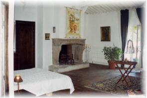 Chambres d'hotes Bouches du Rhône, Aurons (13121 Bouches du Rhône)....
