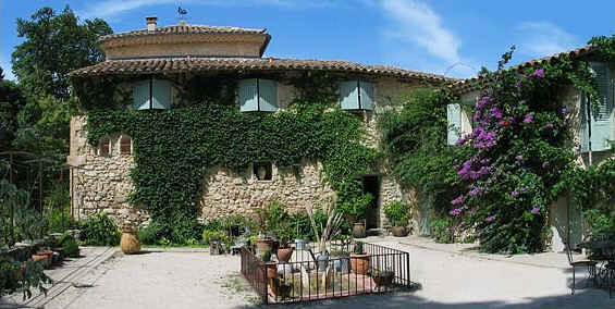 Chambres d'hotes Vaucluse, Pernes les Fontaines (84210 Vaucluse)....