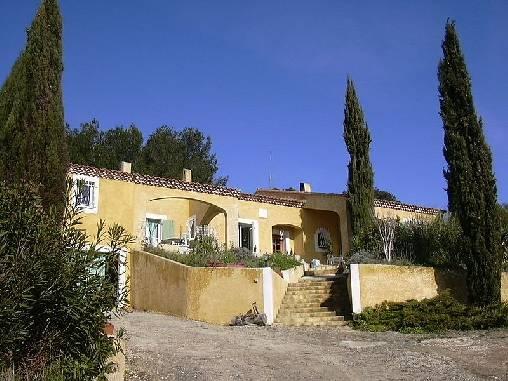 Chambres d'hotes Gard, à partir de 55 €/Nuit. Bellegarde (30127 Gard)....