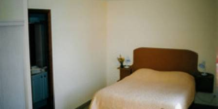 Les Chantenées L'une des chambres d'Hôtes