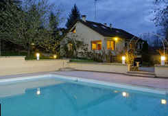 Bed & breakfasts Dordogne, from 60 €/Nuit. House/Villa, Lembras (24100 Dordogne), Charm, Swimming Pool, Sauna, Jacuzzi, Park, Parking, 3 Double Bedroom(s), 10 Maximum People, Lounge, Library, Chimeney, Label Fleurs De Sole...