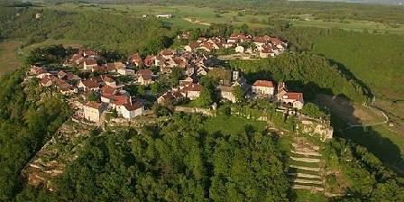 Relais des Abbesses Château-Chalon sur son éperon
