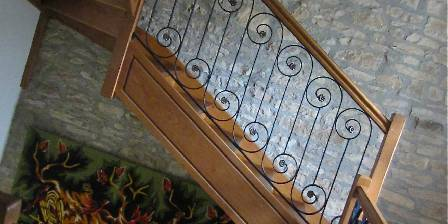 Relais des Abbesses Montée d' escalier
