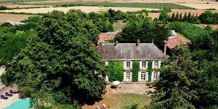 Le Château de l'Abbaye Château de l'Abbaye - Chambres d'hotes La Rochelle