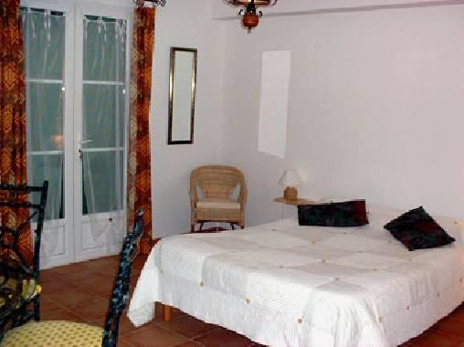 Chambres d 39 hotes bouches du rhone la restanco for Chambre agriculture bouche du rhone