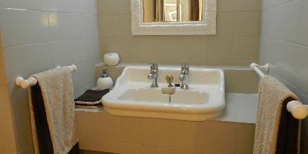 Chambre d'hôte la Robine Cabinet de toilette