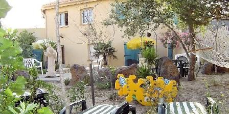 Le jardin des yuccas Our garden