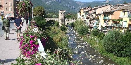 Le Saint Pierre The old bridge 13th century