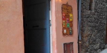 Le Saint Pierre Entrance