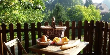 Bed and breakfast Sojapi > cabane de l 'ecureuil   > Click here to enlarge photo