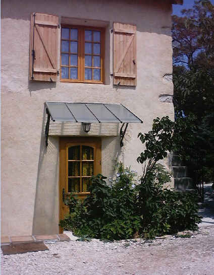 Chambres d'hotes Bouches du Rhône, Aubagne (13400 Bouches du Rhône). A proximité : Marseille 18 km, Cassis 12 km, Aix En Provence 25 km, Calanques De Marseille - Casis 12 km, Collines De M. Pagnol, Sainte Baume 10 km....