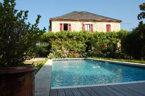 Bed & breakfasts Lot, from 74 €/Nuit. House/Villa, Pradines (46090 Lot), Charm, Swimming Pool, Park, Net, WiFi, Baby Kits, 3 Double Bedroom(s), 1 Childrens Bedrooms, 10 Maximum People, Lounge, Library, Clévacances 3 C...
