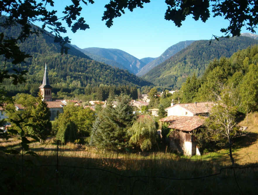Bed & breakfasts Ariège, from 50 €/Nuit. House of character, Fougax et Barrineuf (09300 Ariège), Charm, Guest Table, Garden, Net, WiFi, 2 Double Bedroom(s), 5 Maximum People, Lounge, horseriding, Cycle, Mountain View, Co...