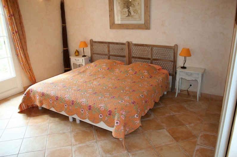 chambre d 39 hote la toscane chambre d 39 hote var 83 provence alpes cote d 39 azur album photos. Black Bedroom Furniture Sets. Home Design Ideas