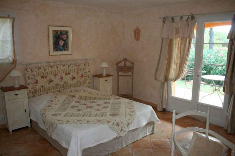 chambre d 39 hote la toscane chambre d 39 hote var 83. Black Bedroom Furniture Sets. Home Design Ideas