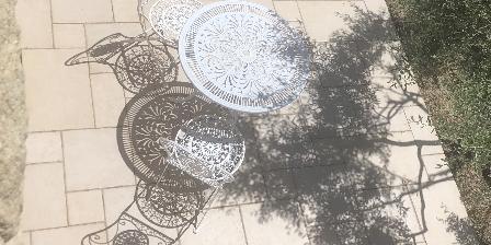 Bastide de la Tour Jeux de dentelles sur la terrasse