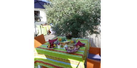 Trésors des Dunes Petit-Dejeuner sous l'olivier