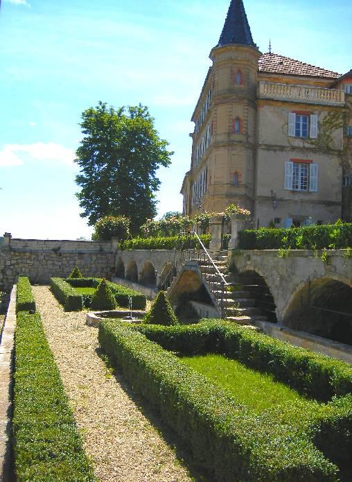 Chambres d'hotes Alpes de Haute Provence, à partir de 100 €/Nuit. Valensole (04210 Alpes de Haute Provence)....