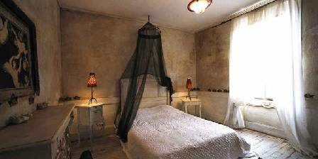 Gästezimmer La Veyrardière > La chambre des Anges