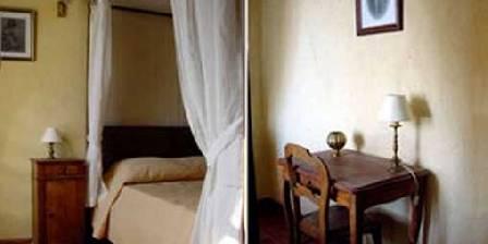 La Vigneronne Carignan Bedroom