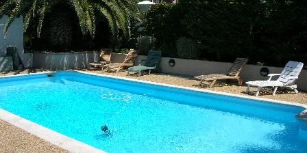 Villa du petit port une chambre d 39 hotes dans les bouches for Piscine petit port