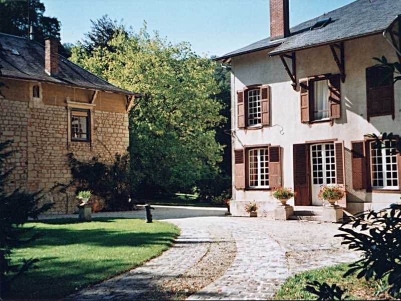 Bed & breakfasts Meuse, from 60 €/Nuit. House/Villa, House of character, Les Islettes (55120 Meuse), Charm, Park, Country View. A proximité : Country, Golf, Swimming-pool, Tennis, Horseriding, Fishing....